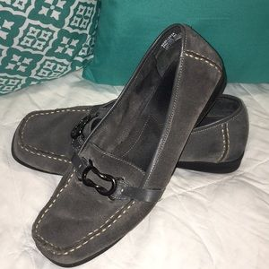 Bass Gray loafer SZ 9